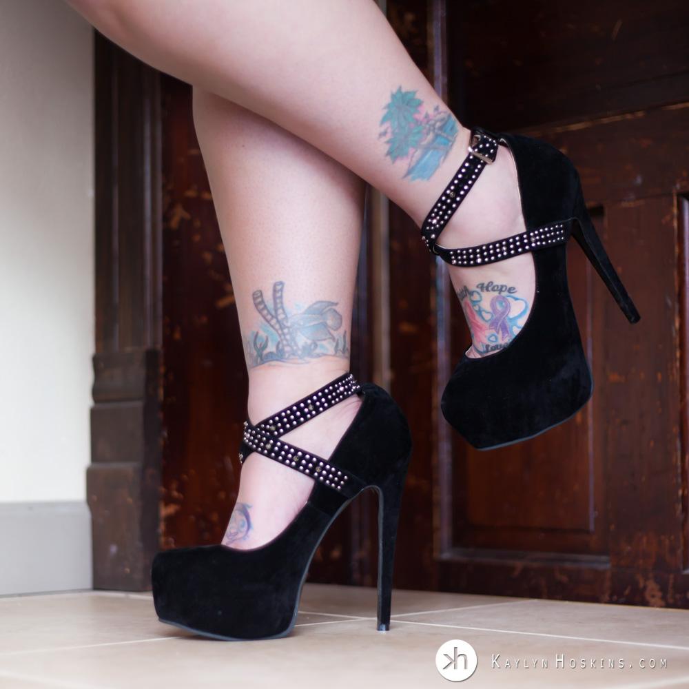 Boudoir Goddess sexy stilettos show off her beautiful tattoos